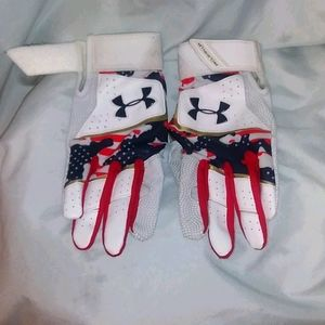Under Armour Clean Up Culture Batting Gloves